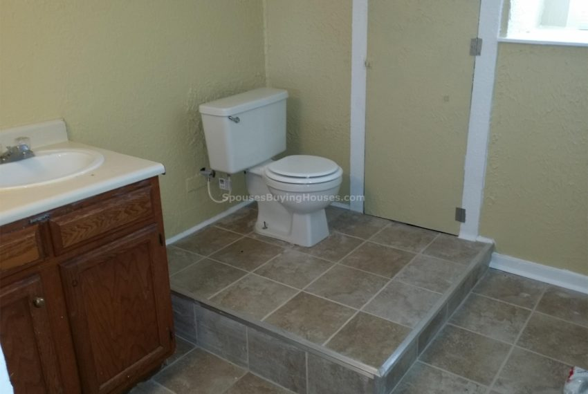 we buy your home Indianapolis Bath