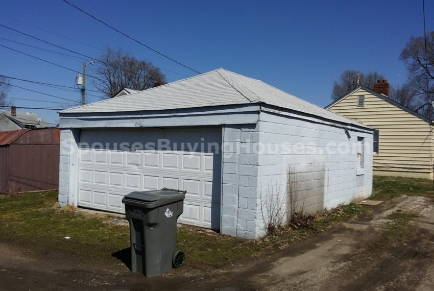 sell your house fast Indianapolis Garage