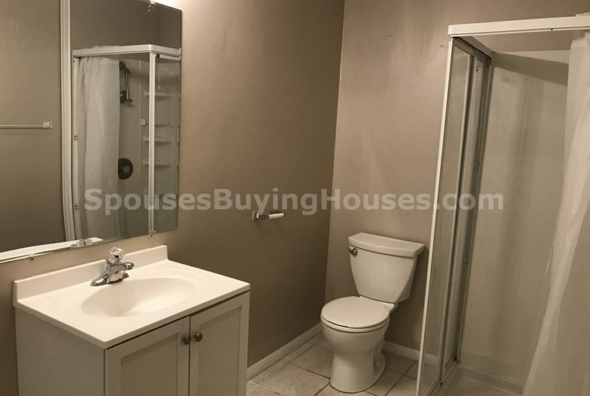 sell your house fast Indianapolis Bathroom