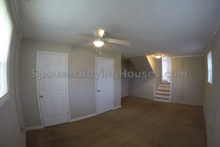 we buy houses fast Indianapolis bedroom
