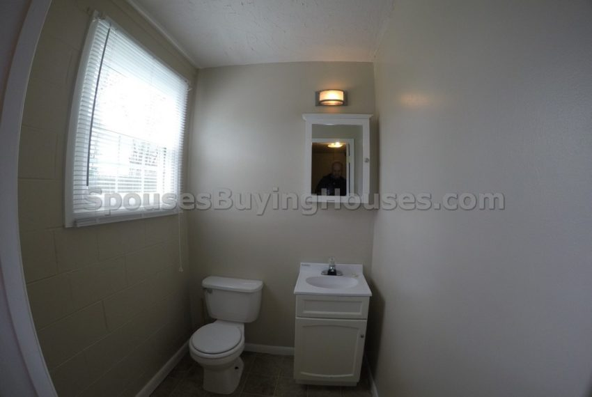 we buy your house Indianapolis half bath