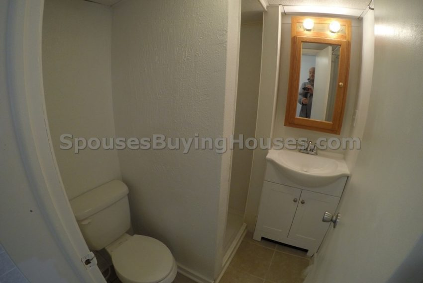 sell my house fast Indianapolis bathroom