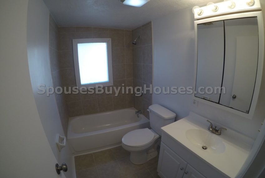 Sell my home fast Indianapolis Bathroom