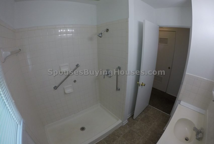 we buy houses for cash Indianapolis Shower