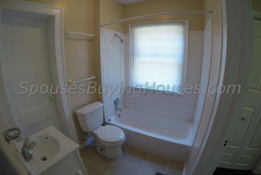 we buy any houses Indianapolis Bathroom