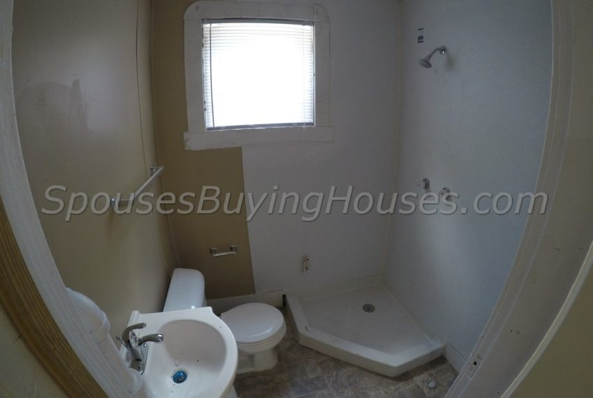 Sell my house Indianapolis Bathroom