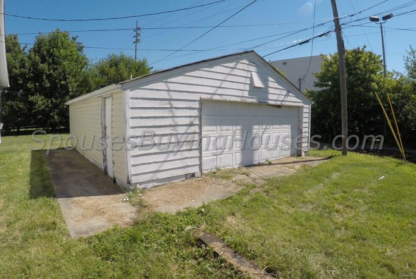 Sell my house Indianapolis Garage