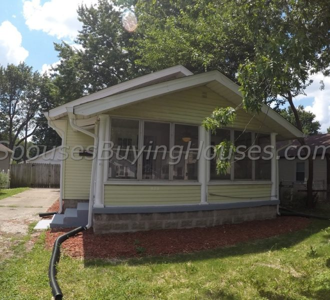 We buy homes Indianapolis Front Exterior 823 E Mills