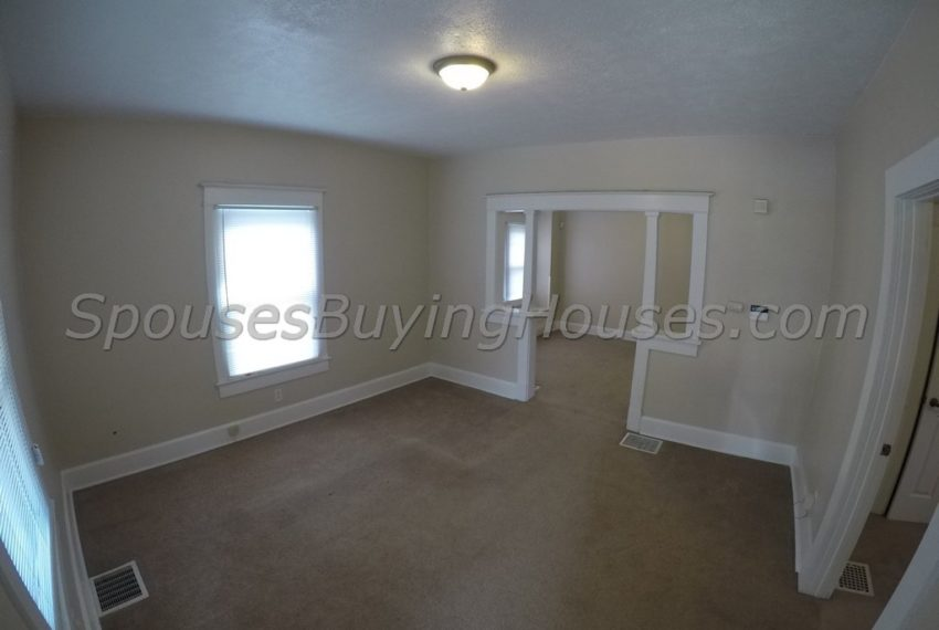 we buy houses fast Indianapolis Dining Area