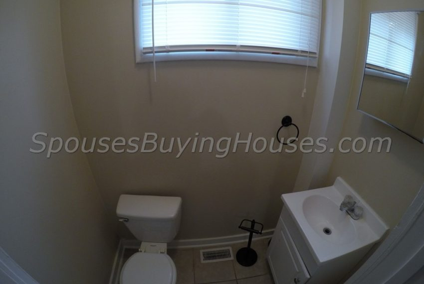we buy any home Indianapolis Half Bath
