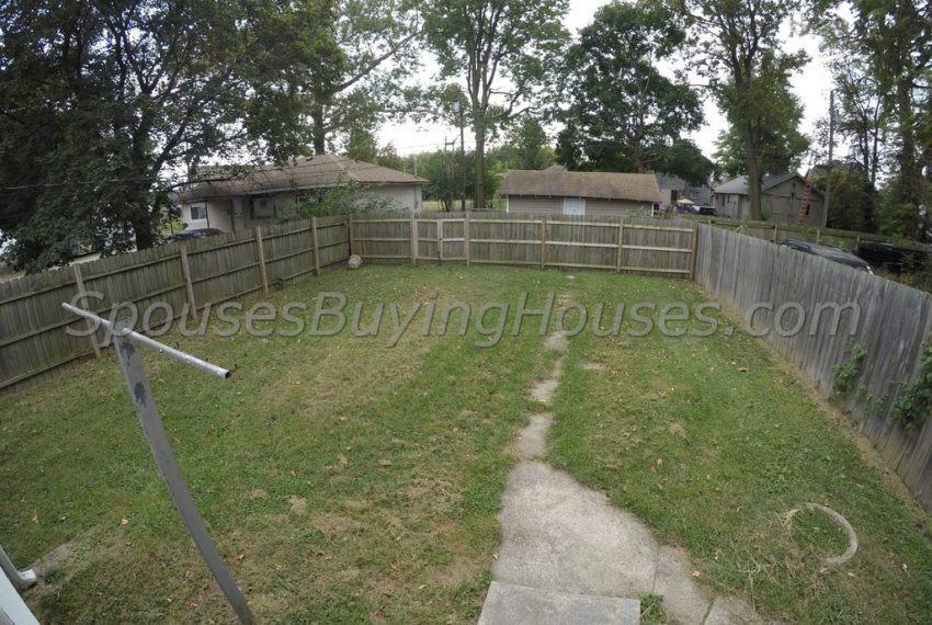 Sell your own home Indianapolis Fenced Backyard