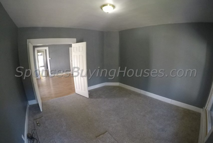 we buy any houses Indianapolis Living Room