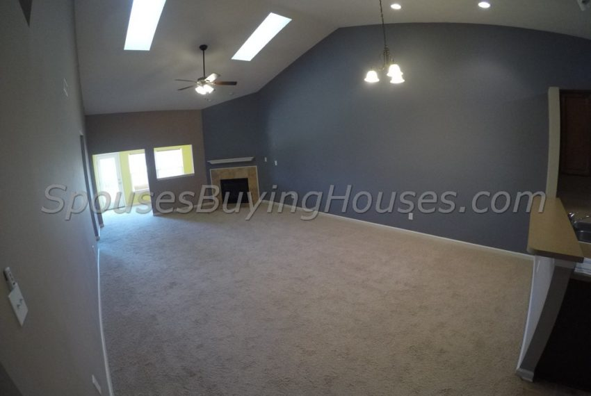 we buy homes fast Indianapolis Living Room