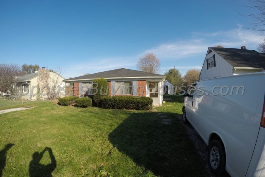 Sell my home fast Indianapolis Front Exterior