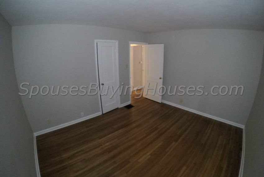we buy houses fast Indianapolis Bedroom 2