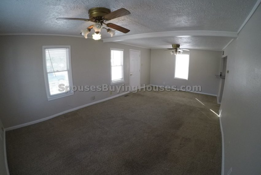 we buy houses fast Indianapolis Living Room